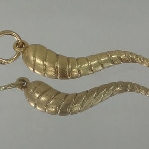 Jewelry - 14k Gold Horn Pendant with Twisted Design